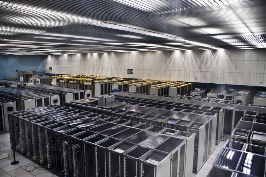 Figure 1.3 – A server room at CERN (Switzerland)