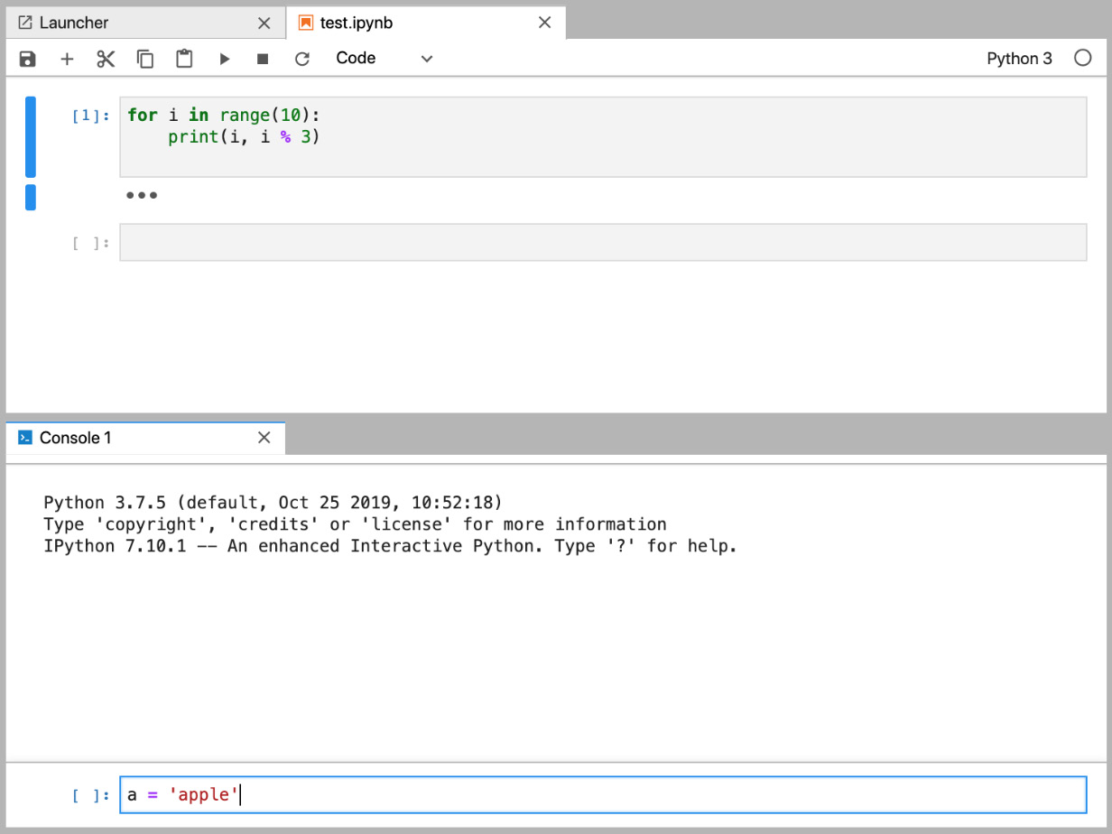 Figure 1.22: Split view of the Notebook and console in JupyterLab